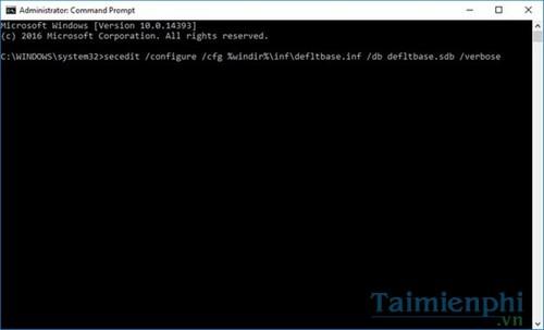 Reset Group Policy Editor về mặc định trong Windows 10