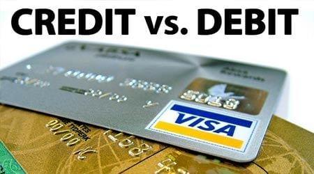 the ghi no debit card khac gi voi the tin dung credit card